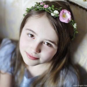 Minou Blumenkranz Kinderkranz Blumenmädchen-01