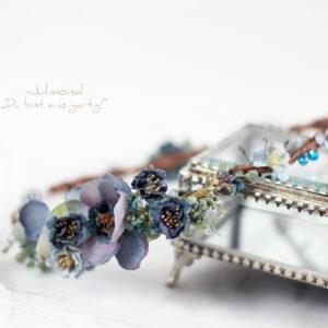 Teona Haarkranz Blumen Blau-06
